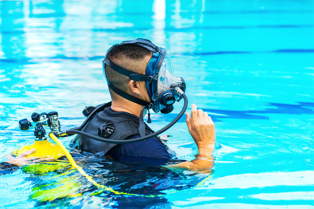Can you scuba dive with a full face mask